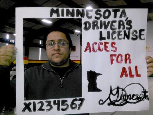Photo from Facebook page of One License, One State Coalition https://www.facebook.com/unestadounalicencia